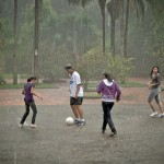 Learn Spanish with Pictures - Playing Soccer in the Rain