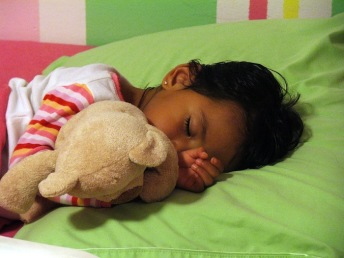 Ideas for adding Spanish to a child's bedtime routine.