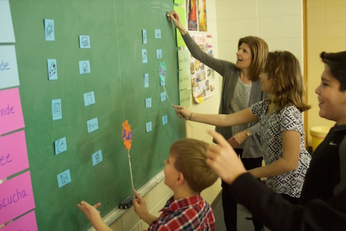 Spanish vocabulary games with pictures incorporate movement and visual cues for learners.