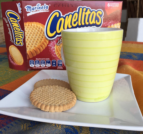 Typical cookies like Canelitas are a good option for taking to class.